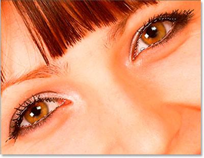 http://www.photoshop-master.ru/lessons/2007/161007/shiny_eyes/eyes-sel.jpg